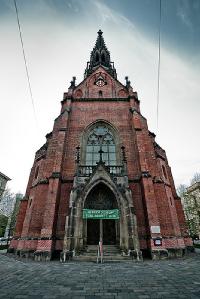 brno---cerveny-kostel3-d528